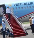 Presiden Jokowi tangga pesawat