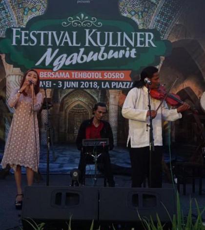 Atraksi hiburan Festival Ngabuburit La Piazza
