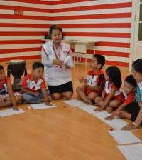 Anak bermain dan belajar