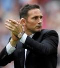 Lampard tepuk tangan