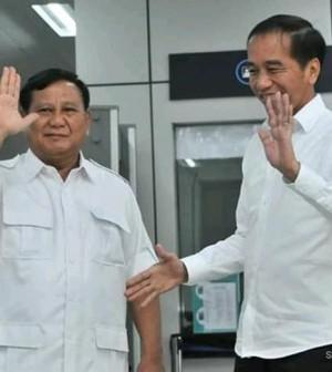 Prabowo Jokowi naik MRT