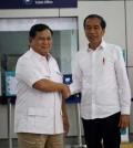 Prabowo Jokowi naik MRT salaman